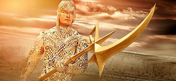 黃曉明黃金鎧甲的造型很吸睛.jpg