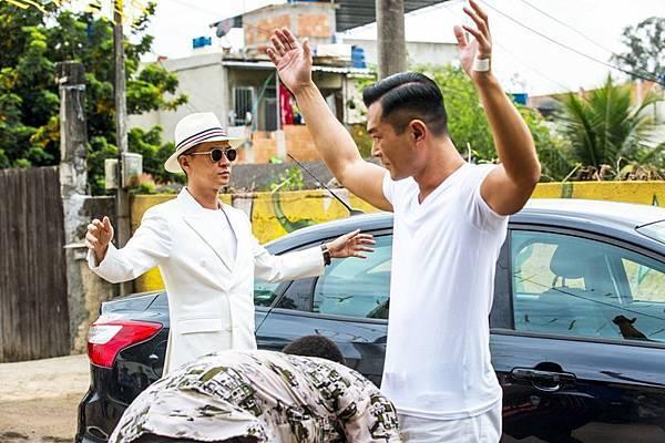 張家輝古天樂隨劇組到巴西拍戲.jpg