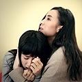 顏卓靈與宋佳飾演姊妹.jpg