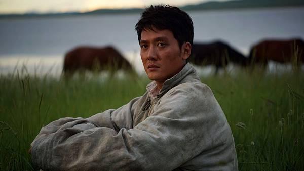 馮紹峰飾演在草原生活的知青 天天勤練馬術.JPG