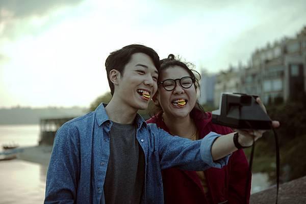 男星蔡瀚億(左)演出鄭欣宜在電影中的青梅竹馬1.jpg