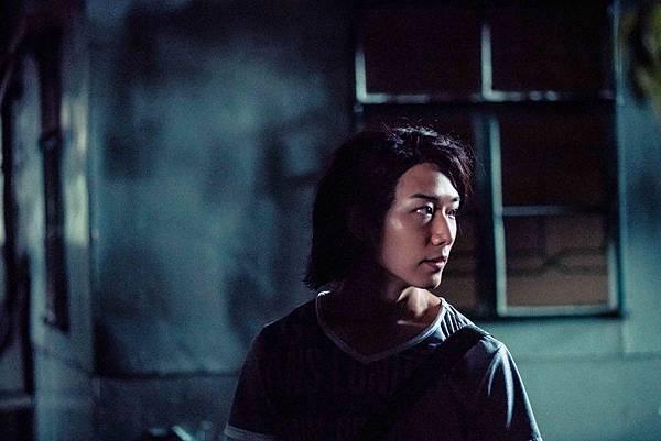 蔡瀚億在片中是一心想當「陳浩南」的古惑仔.jpg