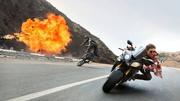 mission-impossible-rogue-nation-motorcycle-explosion_1920.0-e1433808025568-1024x574