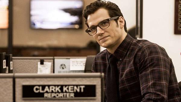 batman-v-superman-dawn-of-justice-clark-kent-henry-cavill.jpg