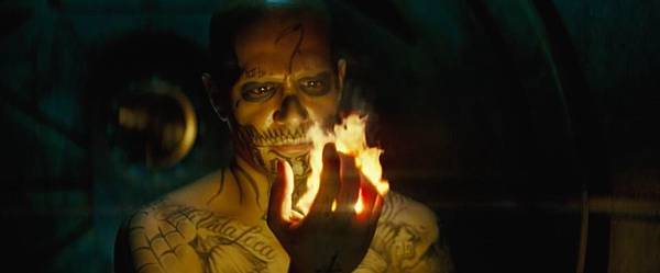 breaking-down-dc-s-beautifully-chaotic-new-suicide-squad-trailer-798839.jpg