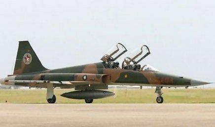 F5F戰鬥機.jpg