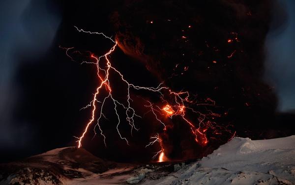 火山爆發之閃電.jpg
