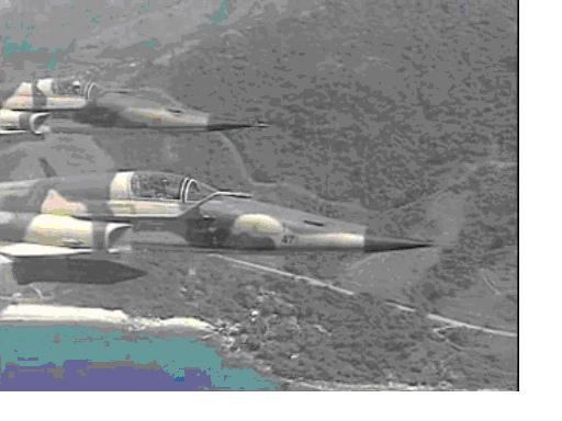 空中的F5E戰鬥機.bmp