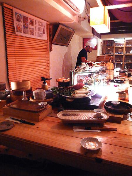 室內的木質使用了日本榧木所搭建而成