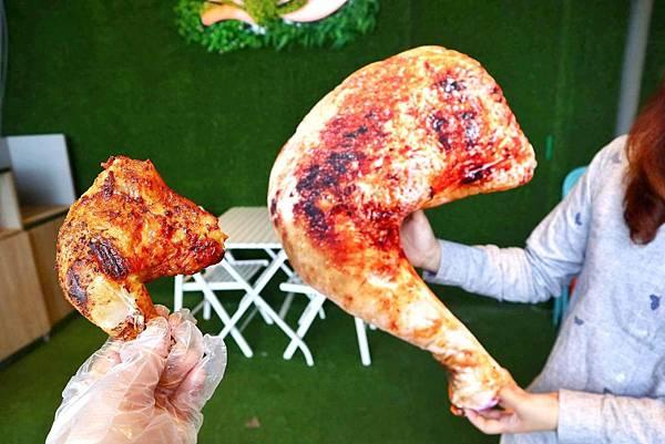 烤雞咬一口