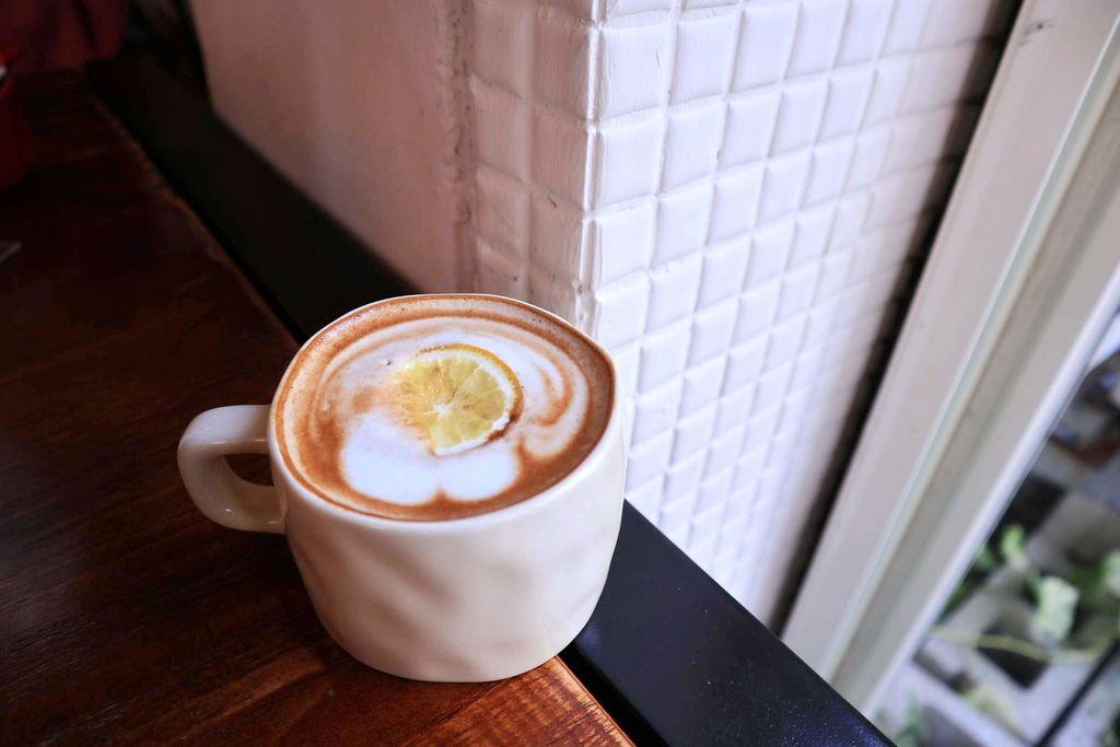 伍伍零550 - 咖啡與餐