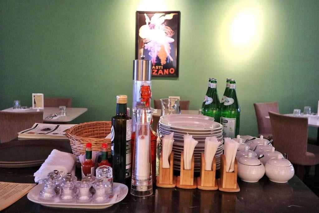 Bianco Taipei白色的餐廳