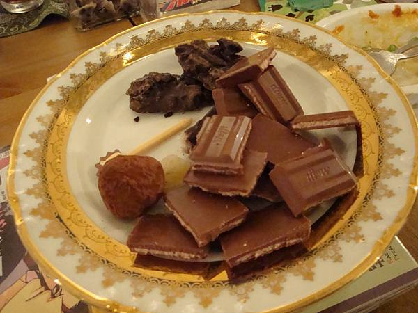 已經瓜分過一輪的巧克力XD