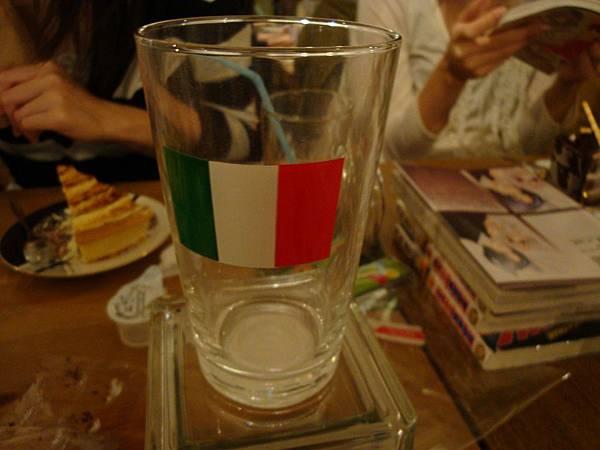 lyla為了愛買的ITALY玻璃杯=w=