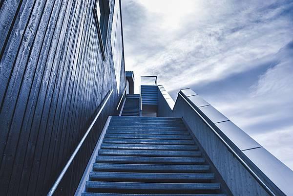 stairway-828883_1280.jpg