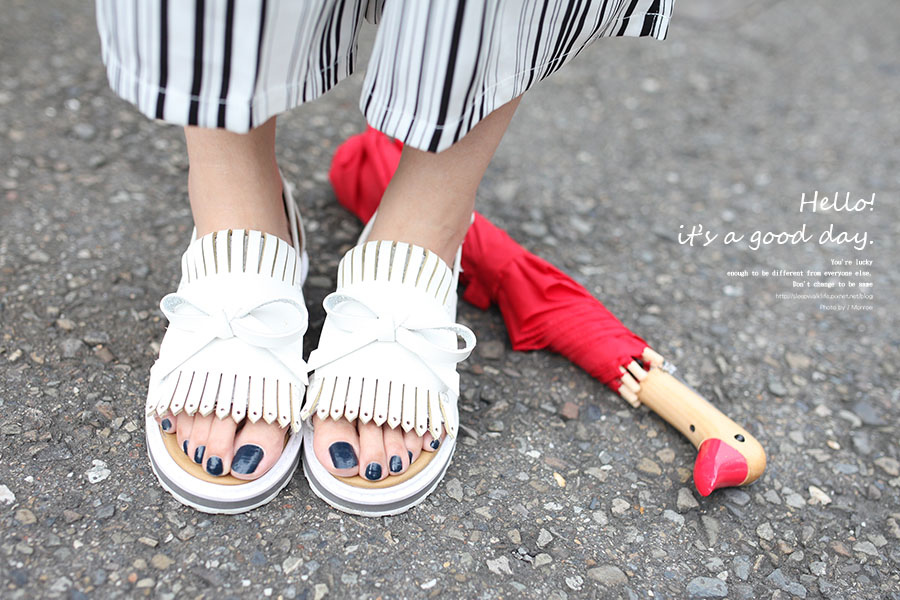 WHITE SHOES OUTFIT 07