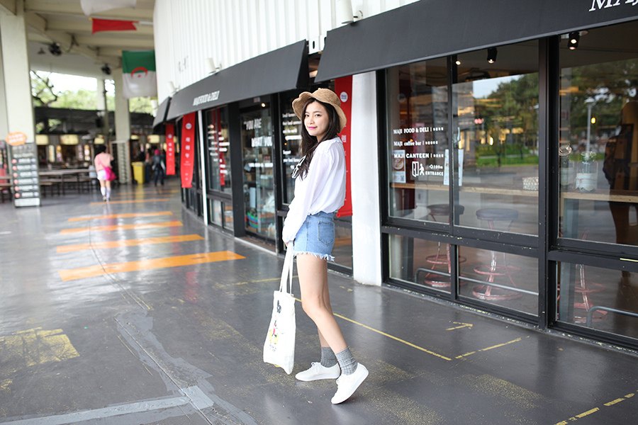 WHITE SHOES OUTFIT 22