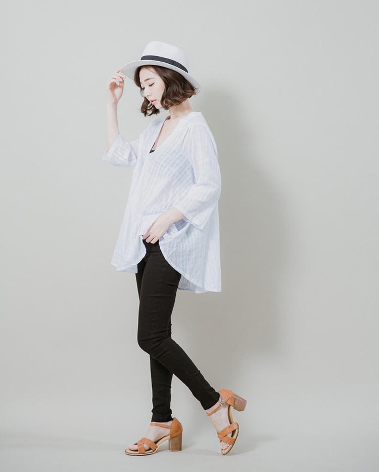 Silver▵Lining▴微透肌感格紋傘狀襯衫(白)