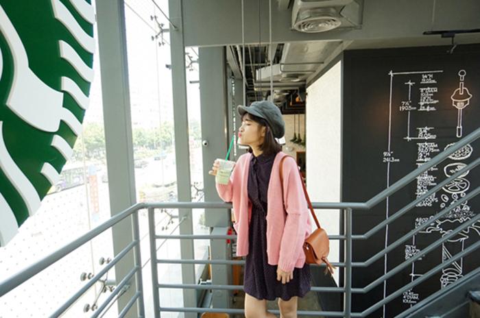 16 瘦竹竿 15秋 韓國 糖果色方口袋落肩 3個扣子粗針隨意毛衣開衫