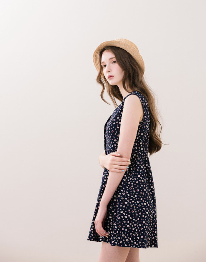 PAZZO 夏日渡假感前開釦印花洋裝