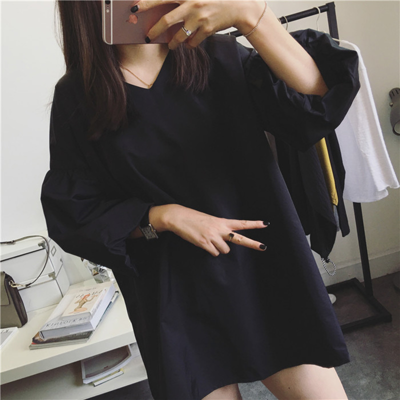 JUST Q 蓬蓬寬松袖子 洋氣中袖V領寬松連衣裙