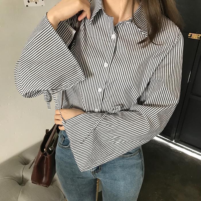 TracyStyle 學院風蝴蝶結喇叭袖條紋長袖襯衫
