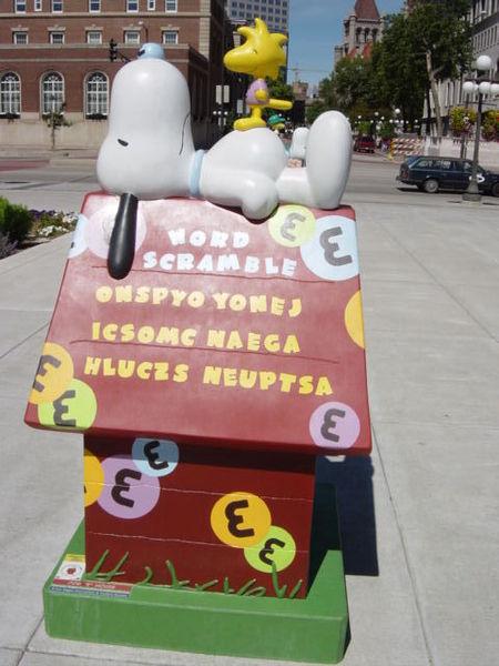 Snoopy Doghouse 20