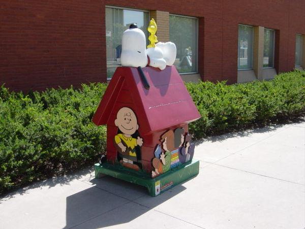Snoopy Doghouse 29