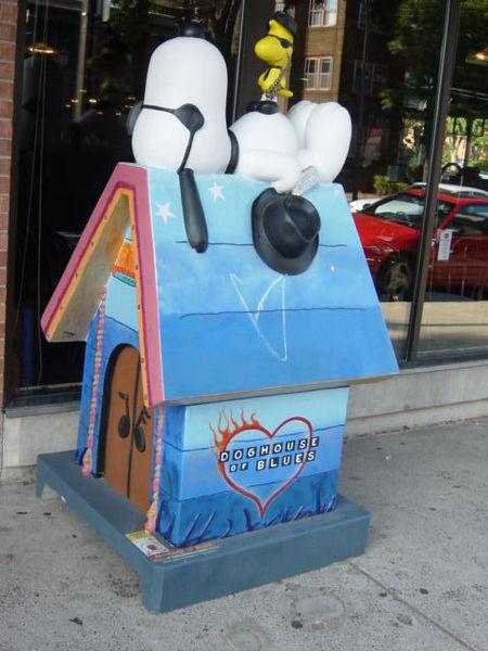 Snoopy Doghouse 14