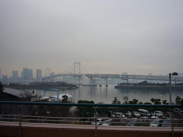 遙望彩虹大橋