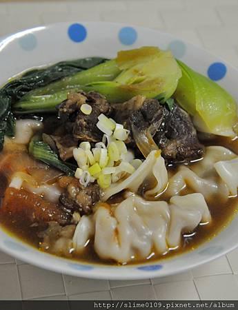 紅燒牛肉湯餃