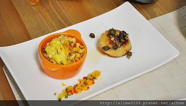 義式烘蛋+奶油干貝佐蘑菇酸豆醬