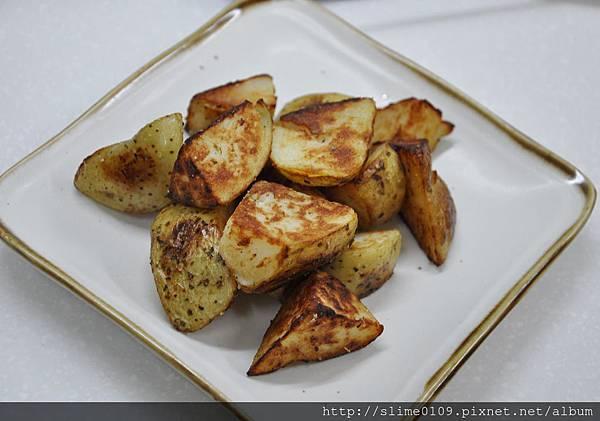 義式香料馬鈴薯塊01
