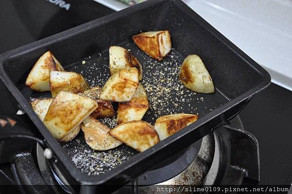 義式香料馬鈴薯塊05