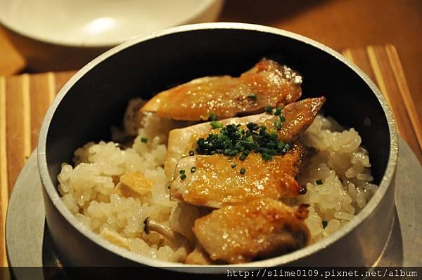 雞と茸の釜炊きご飯02