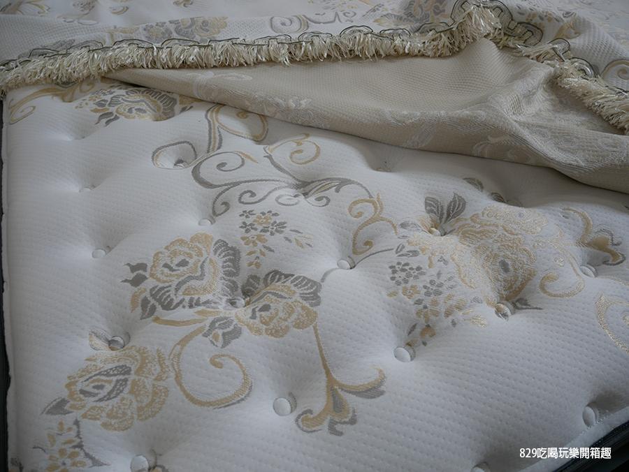 【台中床墊】床聚點床墊量販場 現場近百張床墊任你躺 工廠直營價格便宜還保固十年 台灣製造的客製化床墊 床頭櫃 (7).png