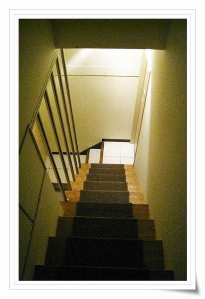很有家裡味道的樓梯間