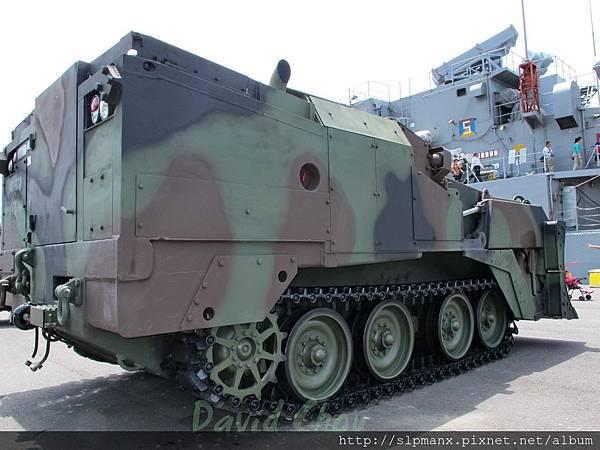 20130504蘇澳軍港開放-DEMO M9戰鬥工兵車 (7)