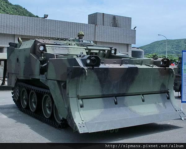 20130504蘇澳軍港開放-DEMO M9戰鬥工兵車 (13)