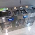 Day 1 - 成田機場 : 垃圾桶也是要垃圾分類的
