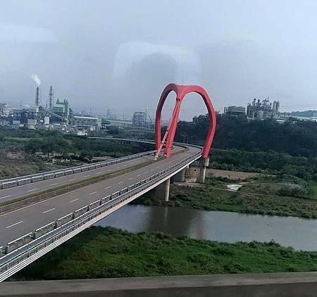 新港橋.jpg