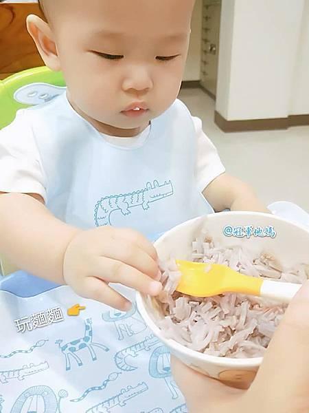 BAILEY貝睿哺育用品 BAILEY矽膠圍兜餐墊 寶寶圍兜 寶寶餐墊 彌月 收涎 周歲 週歲 送禮32.jpg