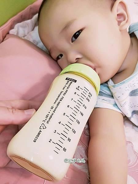 小獅王辛巴 simba PPSU奶瓶 自動把手奶瓶 水杯43.jpg