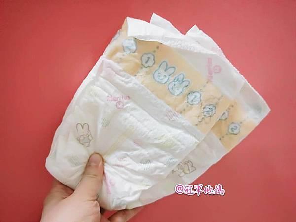 尿布推薦 Merries妙而舒金緻柔點紙尿褲 尿布品牌推薦 透氣尿布 防漏側邊01.jpg