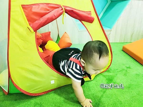 英國BabySensory親子教育-PCT童樂匯 感統遊樂區 寶寶感統課程 感覺統合 五感發展 寶寶發展 嬰幼兒發展 寶寶音樂課 寶寶燈光秀25.jpg