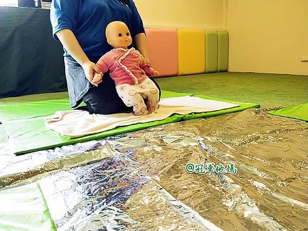 英國BabySensory親子教育-PCT童樂匯 感統遊樂區 寶寶感統課程 感覺統合 五感發展 寶寶發展 嬰幼兒發展 寶寶音樂課 寶寶燈光秀39.jpg