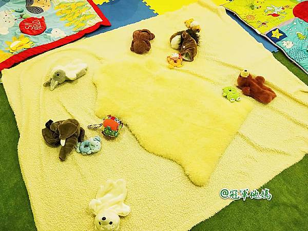 英國BabySensory親子教育-PCT童樂匯 感統遊樂區 寶寶感統課程 感覺統合 五感發展 寶寶發展 嬰幼兒發展 寶寶音樂課 寶寶燈光秀37.jpg