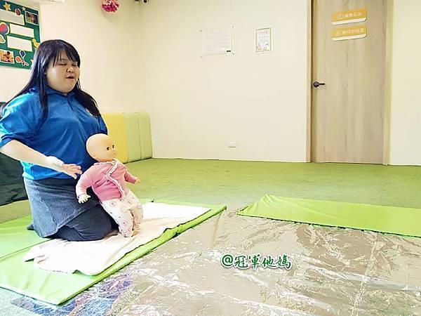 英國BabySensory親子教育-PCT童樂匯 感統遊樂區 寶寶感統課程 感覺統合 五感發展 寶寶發展 嬰幼兒發展 寶寶音樂課 寶寶燈光秀41.jpg