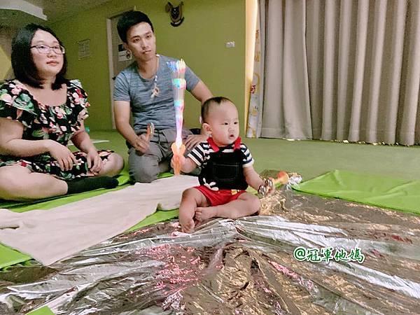 英國BabySensory親子教育-PCT童樂匯 感統遊樂區 寶寶感統課程 感覺統合 五感發展 寶寶發展 嬰幼兒發展 寶寶音樂課 寶寶燈光秀42.jpg