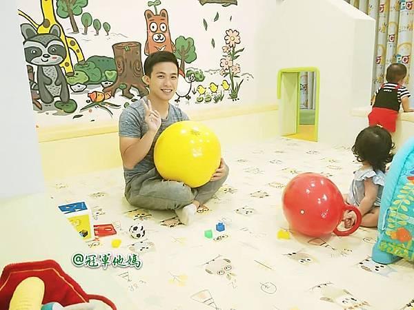英國BabySensory親子教育-PCT童樂匯 感統遊樂區 寶寶感統課程 感覺統合 五感發展 寶寶發展 嬰幼兒發展 寶寶音樂課 寶寶燈光秀50.jpg